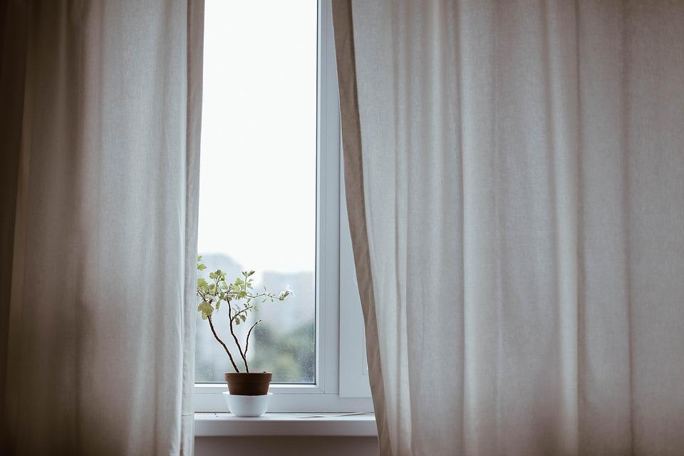 curtains-1854110_960_720
